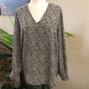 NWT: Adrianna Papell blouse size XL
